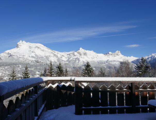 P1020729 605x465 - Chalet Mont Blanc