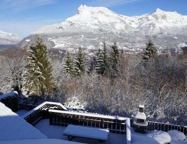 P1020737 2 605x465 - Chalet Mont Blanc