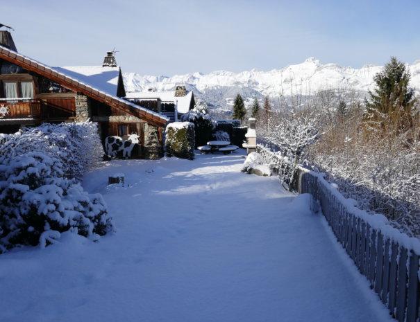 P1020773 605x465 - Chalet Mont Blanc