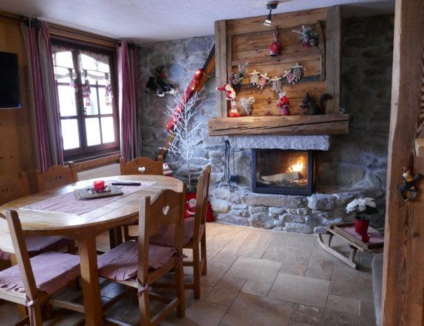 P1020813 605x465 - Chalet Le Mont Joly